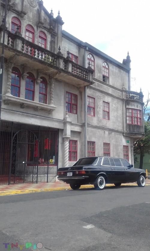300D MERCEDES LIMO barrio amon costa rica architecture