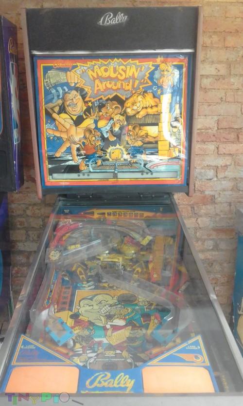PINBALL MACHINE COSTA RICA 1989 BALLY MOUSIN AROUND